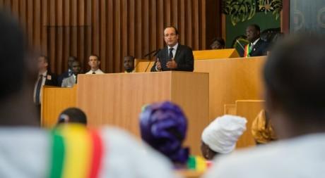 François Hollande lors de son discours de Dakar, le 12 octobre 2012. © BERTRAND LANGLOIS / AFP