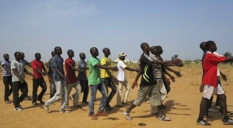 Des milices maliennes s'entraînent à Sévaré, à 600km au nord est de Bamako, Mali, 12 novembre 2012. REUTERS/Stringer