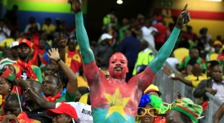 Un supporter du Burkina Faso le 25 janvier 2013 au stade de Nelspruit en Afrique du Sud. REUTERS/Thomas Mukoya