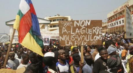 Des partisans du Président François Bozizé le 10 janvier 2013 à Bangui. REUTERS/Luc Gnago
