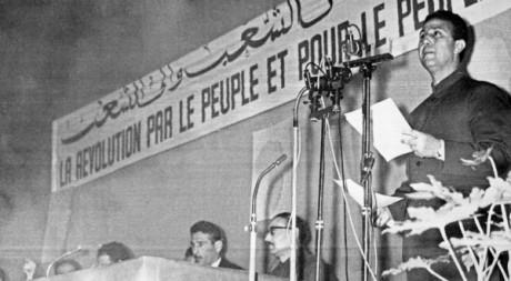L'un des tout premiers congrès post-indépendance du FLN, Alger 1964. © STF / AFP