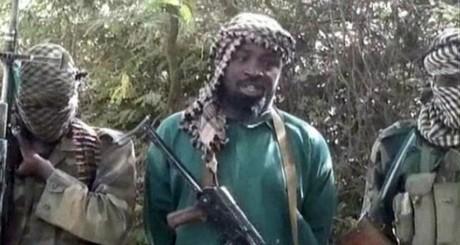 Abubakar Shekau, au centre. Capture d'écran d'une vidéo de Boko Haram, mars 2013/ AFP
