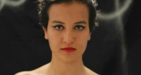 Amina pose seins nus sur sa page Facebook. DR/Amina