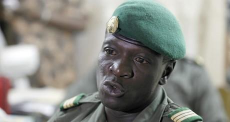 Le chef de l'ex-junte militaire au mali, le capitaine Sanogo, Bamako, avril 2012 / REUTERS