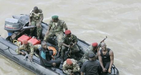 Des soldats ivoiriens lors d'un entraînement, Abidjan, 2005 / AFP