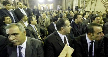 Les juges opposants au président Morsi, Le Caire, 24 avril 2013. REUTERS/Amr Abdallah Dalsh