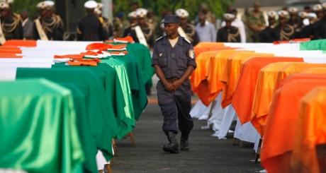 Cercueils des militaires et policiers décédés lors des affrontements à Abidjan, en 2011 / REUTERS