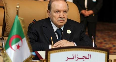 Le président algérien Abdelaziz Bouteflika à Doha le 15 mai 2013. REUTERS/Mohammed Dabbous