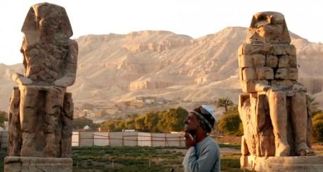Colosses de Memnon, Louxor, 3 décembre 2010. REUTERS/Asmaa Waguih