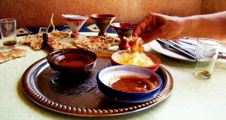 """Table de """"ftour"""" au Maroc / Flickr CC"""