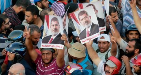 Manifestants pro-Morsi au Caire, le 9 juillet 2013 / REUTERS