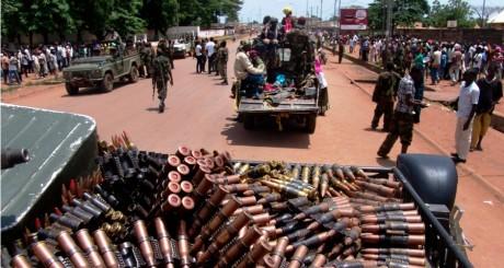 Patrouille de la Seleka dans les rues de Bangui, 27 mars 2013 / REUTERS