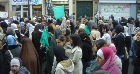 Manifestations contre l'islamophobie, Paris / David Monniaux via Wikimedia Commons