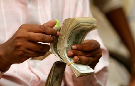 Transfert d'argent, Somalie, le 8 mai 2013. REUTERS/Feisal Omar