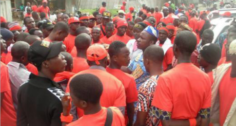 Partisans du mouvement Mercredi Rouge © Page Facebook du Mercredi Rouge