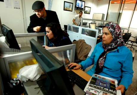 Journalistes algériennes, 8 mai 2012. REUTERS/Zohra Bensemra