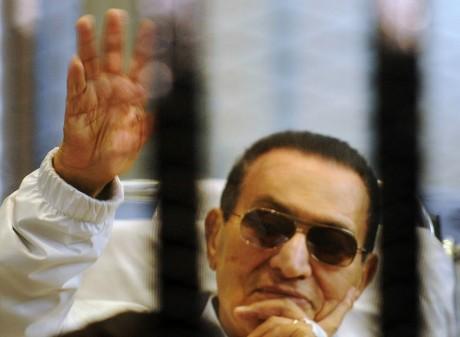 Procès de l'ex-raïs égyptien Hosni Moubarak, le 13 avril 2013, Caire. REUTERS/Stringer