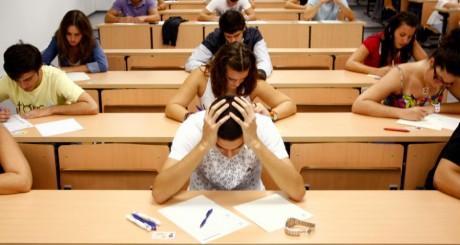 Etudiants en examen, 2009 / REUTERS