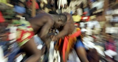 Des lutteurs sénégalais lors des Jeux de Niamey 2005 / AFP