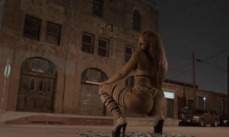 Cap écran du clip de Major Lazer,Bubble Butt.