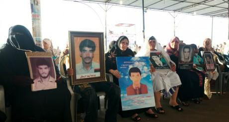 Des familles réclamant le procès d'Abdallah al-Senoussi , septembre 2012 / Reuters