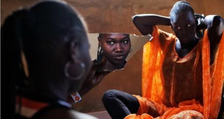 Deux femmes du village de Ndande, Sénégal, 22 mai 2013 / REUTERS
