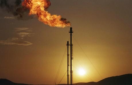 Plateforme gazière de la Sonatrach, Algérie, 25 février 2000. Reuters.