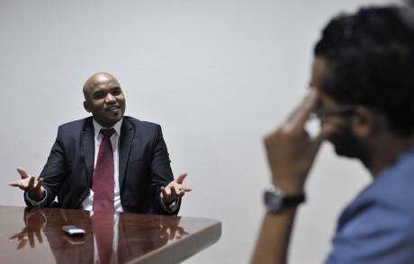Le chef rebelle Ibrahim el-Jathran lors d'un entretien avec Reuters. REUTERS/Esam Omran al-Fetori