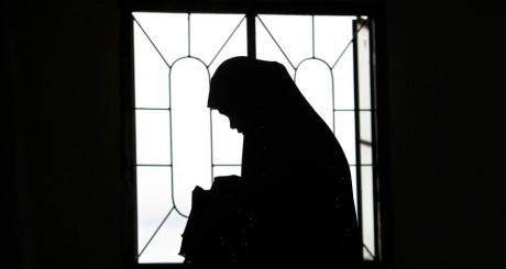 Silhouette d'une femme musulmane / Reuters
