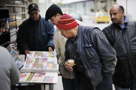 Un kiosque de journaux à Tunis. REUTERS/Finbarr O'Reilly
