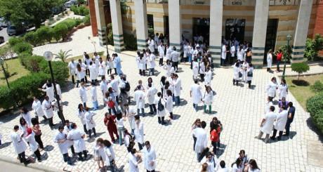 Etudiants en médecine, Tunis byAmine Ghrabi via Flickr CC