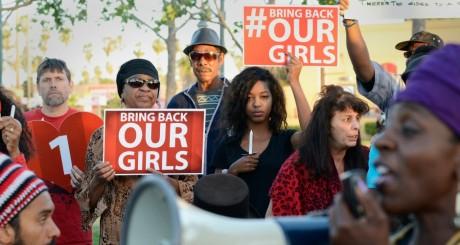 Manifestation de soutien aux jeunes filles enlevées par Boko Haram / REUTERS
