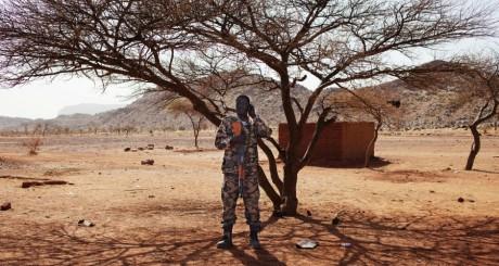 Un soldat malien à Douentza, Nord-Mali / REUTERS