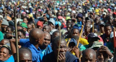 Minueurs grévistes sud-africaines, Marikana, 14 mai 2014 / AFP