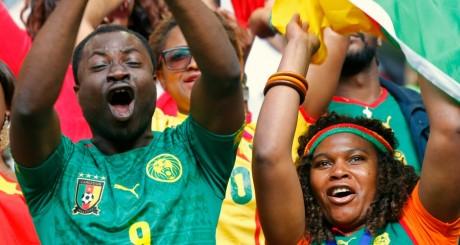 Des supporteurs de l'équipe de football camerounaise / REUTERS