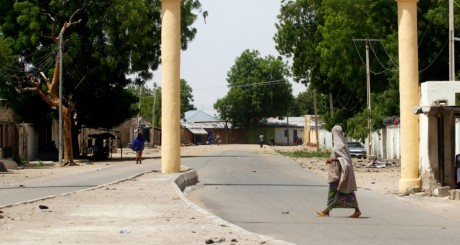 L'entrée de la ville de Maiduguri, (nord-est Nigeria), le fief de Boko Haram / REUTERS