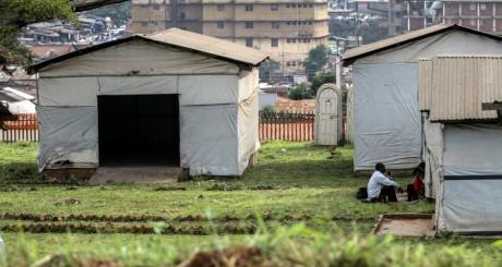 Camp d'isolement des personnes suspectées d'Ebola, Kampala (Ouganda) / REUTERS