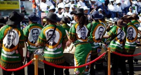 Un groupe de danse lors de la visite de Barack Obama en Tanzanie, janvier 2013 / REUTERS