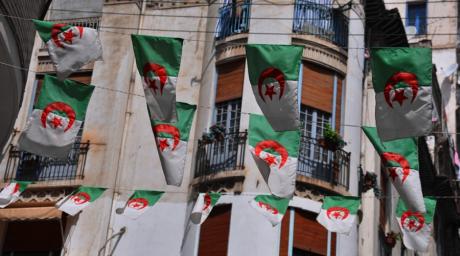 Dans les rues d'Alger. Rasiermesser Kalle via Flickr.