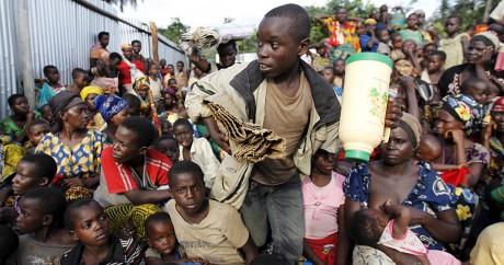 Des réfugiés burundais dans le village tanzanien de Kagunga, le 18 mai 2015. REUTERS/Thomas Mukoya