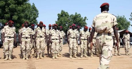 Des troupes de l'armée centrafricaine, le 13 mars 2015 à Bangui. REUTERS/Anthony Fouchard
