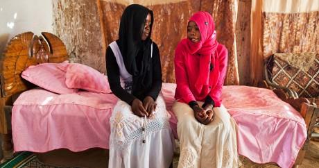 Des jeunes filles mariées dans le Darfour. Crédit photo: UNAMID via Flickr.