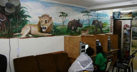 Un café-internet au Soudan. Crédit photo: Giorgio Montersino via Flickr, Licensed by CC.