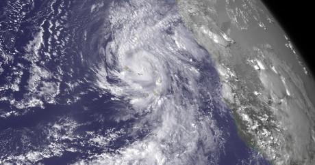 L'ouragan Fred qui touche l'archipel du Cap-Vert. REUTERS/NOAA/Handout