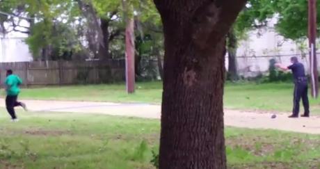 Image extraite de la vidéo montrant le meurtre de Walter Scott par un policier, en avril 2015.