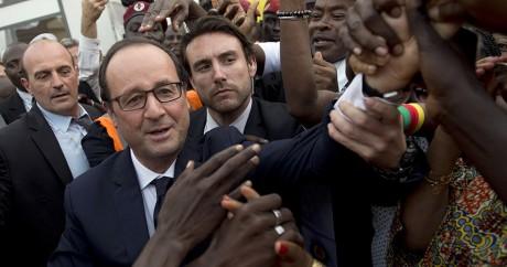 Le Président François Hollande en déplacement à Dakar, le 29 novembre 2014. Photo: REUTERS/Alain Jocard/Pool