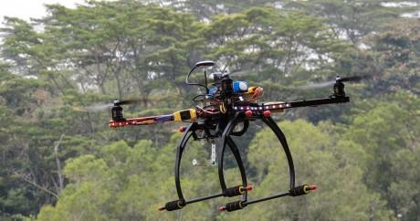 Un drone. Crédit photo: Michael MK Khor via Flickr, License by CC.