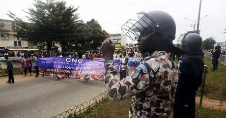 Une manifestation de partisans du parti d'opposition du CNC, le 28 septembre 2015 à Abidjan. Photo: REUTERS/Thierry Gouegnon