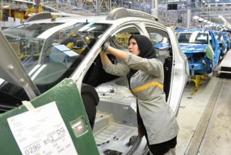 Une employée de l'usine Renault à Melloussa, près de Tanger, au Maroc le 23 avril 2014 AFP/Archives Fadel Senna