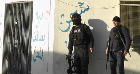 Des forces de sécurité tunisiennes après les combats dans la ville de Ben Guerdane, le 7 mars 2016. Crédit photo: FATHI NASRI